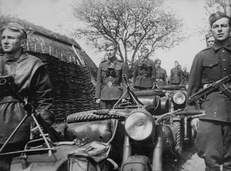 cechoslovacky-korpus-3
